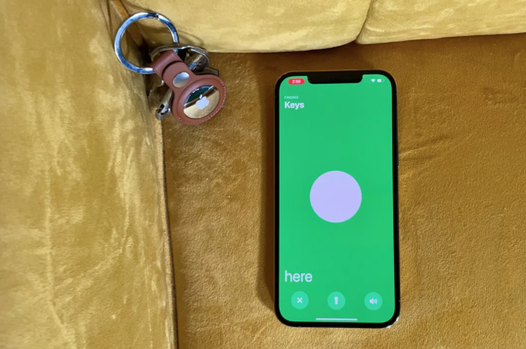 [CNET] Apple AirTags hands-on: These $29 trackers are small and impressive